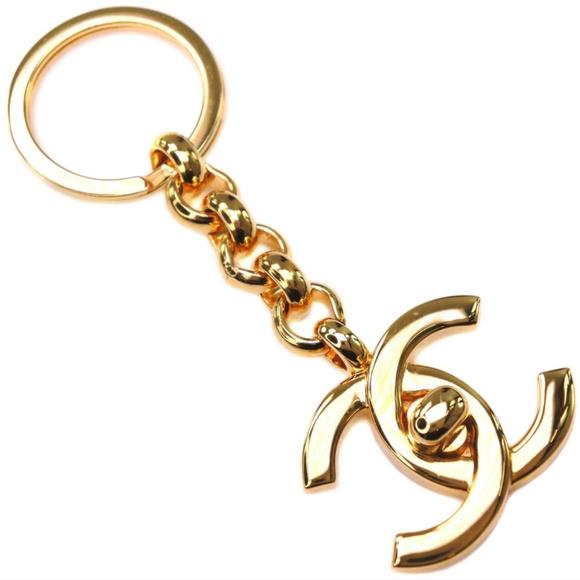 CHANEL 24k Gold Turnlock Keychain Bag Charm: Wow